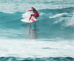 Gilles Noah Rese - ROHHOLZ Team surfing