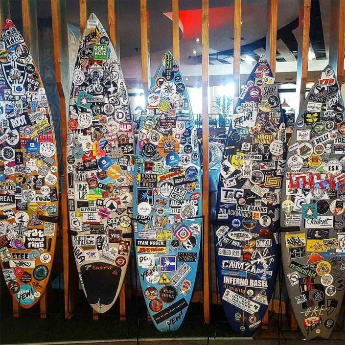 denpasar airport sticker - Rohholz surfing