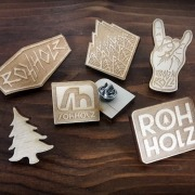 Holz Anstecker - Rohholz Wood Pins - Buttons