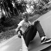 Martin beim Longboard Freeride Event